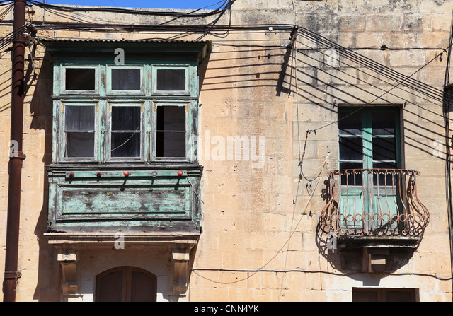 Bay window balcony stock photos bay window balcony stock for Traditional balconies