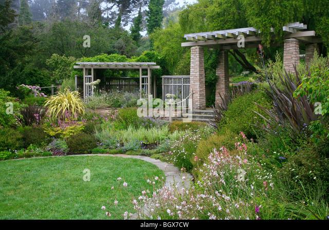 Flower Gardens With Gazebo Stock Photos Flower Gardens With Gazebo Stock Images Alamy
