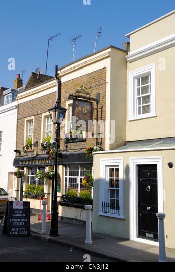 Chelsea pub stock photos chelsea pub stock images alamy for The pheasant pub london
