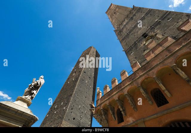 Towers porta stock photos towers porta stock images alamy - Piazza di porta saragozza bologna ...