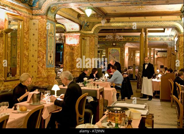 Mollard stock photos mollard stock images alamy - Restaurant saint lazare paris ...