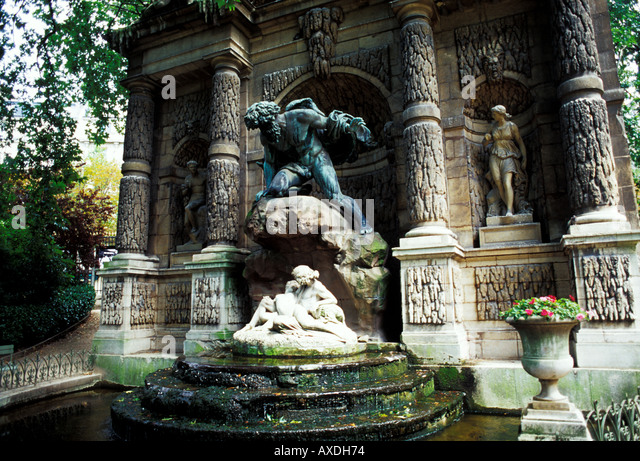 Fontaine medicis stock photos fontaine medicis stock images alamy - Fontaine jardin du luxembourg ...