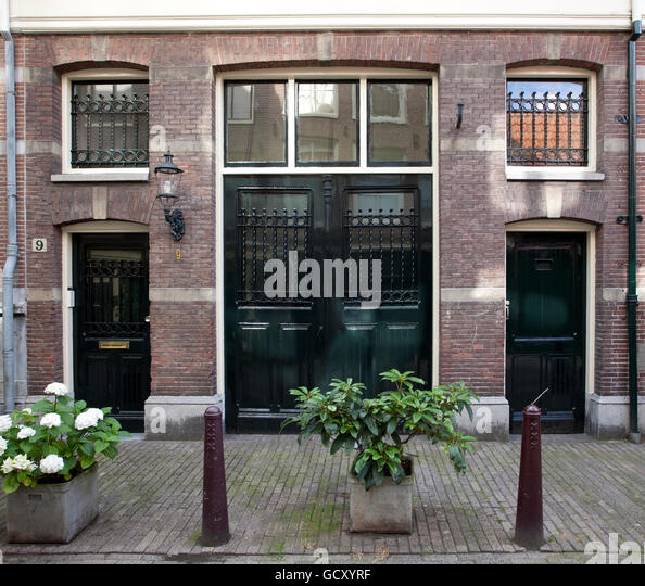 Former coach houses with wide double doors Langestraat Amsterdam Holland Netherlands & Doors Amsterdam Stock Photos \u0026 Doors Amsterdam Stock Images - Alamy Pezcame.Com