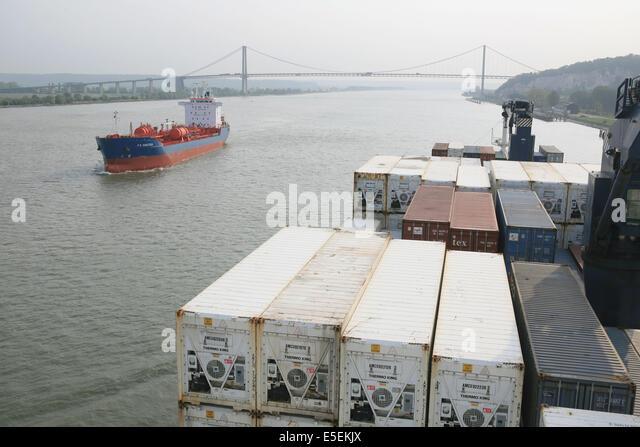 St pierre harbor stock photos st pierre harbor stock images alamy - Grand port maritime de rouen ...