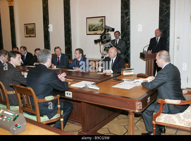 President Putin Chairs Cabinet Meeting Stock Photos & President ...