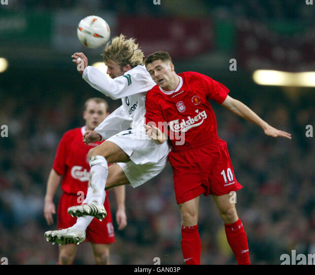 Liverpool V Barcelona Live Matchday Blog: David Beckham Michael Owen English Stock Photos & David