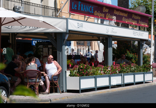 South of france bars stock photos south of france bars stock images alamy - Restaurant le france port vendres ...
