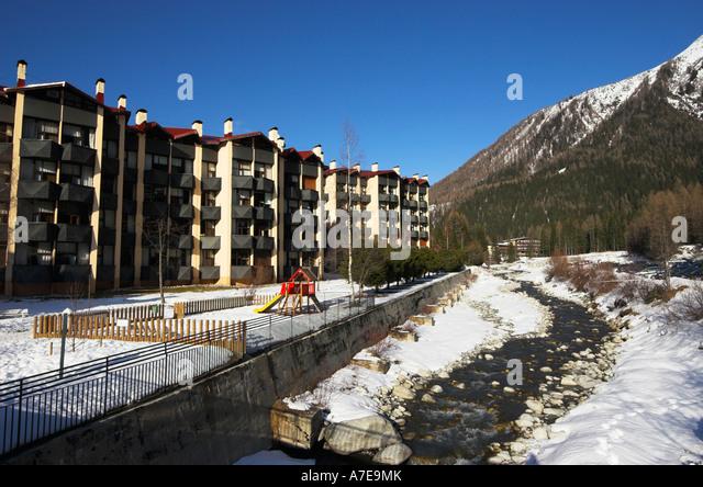Arve river chamonix stock photos arve river chamonix for Moderne skihotels