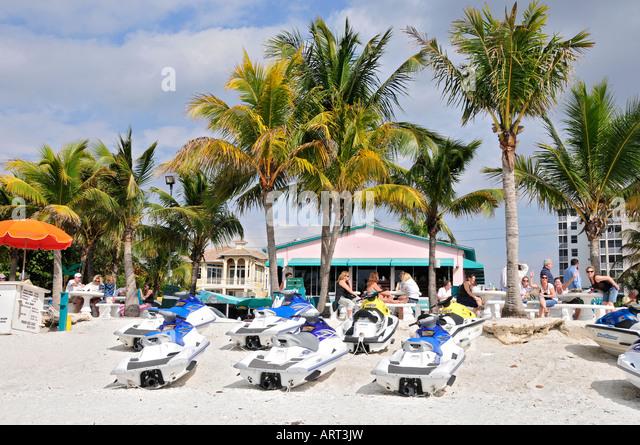 Promenade Bonita Beach Fl