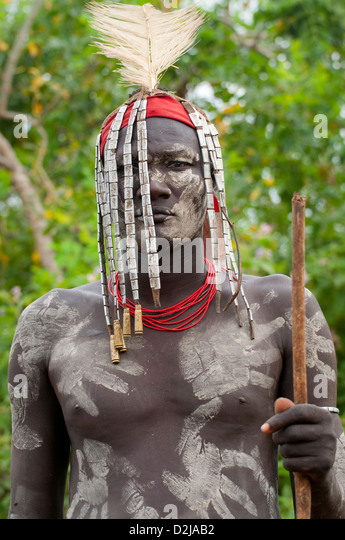 Image gallery mursi men for African body decoration