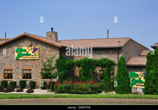 Olive Garden Restaurants Stock Photos Olive Garden