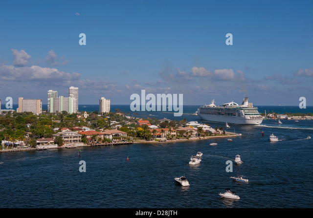 Ft lauderdale cruise ship stock photos ft lauderdale - Allure of the seas fort lauderdale port address ...