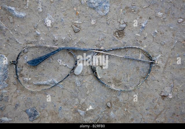 Eyeglass Frames Glastonbury Ct : Broken Glasses Stock Photos & Broken Glasses Stock Images ...