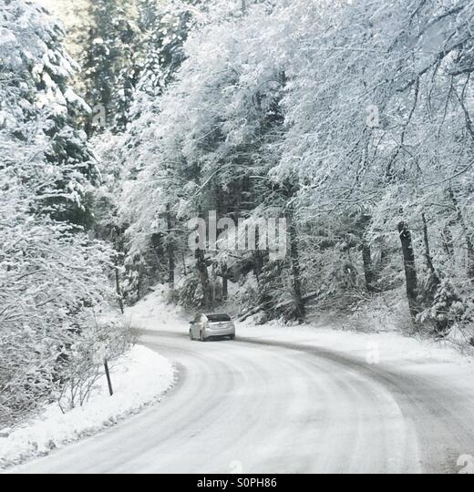 how to drive in snowy conditions