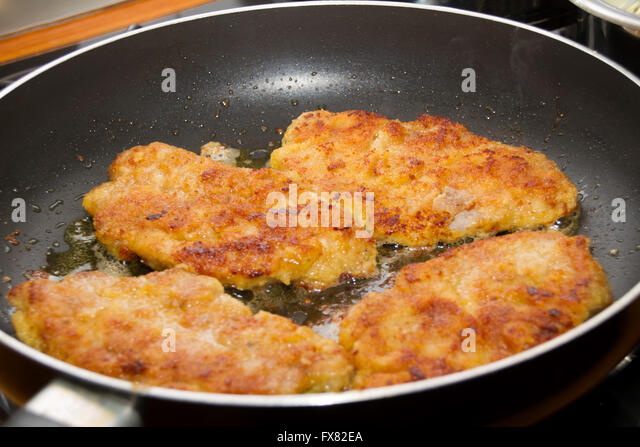 how to cook a schnitzel in a pan