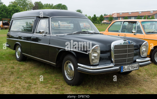 W108 stock photos w108 stock images alamy for Mercedes benz hearse