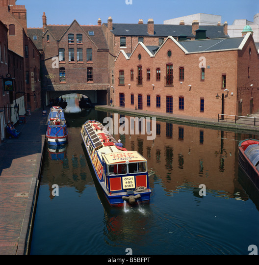 Regents Park Vienna: Canal Boat Trips Stock Photos & Canal Boat Trips Stock