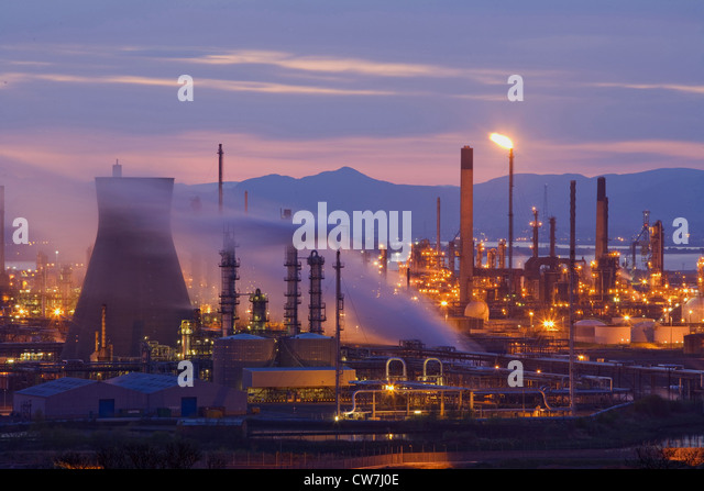 Grangemouth United Kingdom  city photos gallery : Grangemouth Oil Refinery in evening light, United Kingdom, Scotland ...