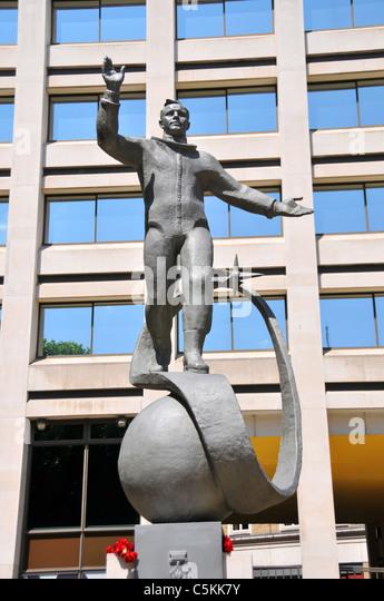 Yuri Gagarin Statue London Britain Stock Photos & Yuri ...