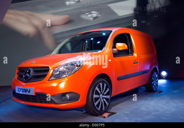 Citan stock photos citan stock images alamy for New mercedes benz commercial