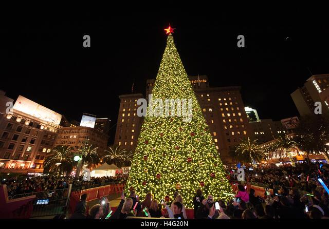 Macyu0027s Tree Lighting at Union Square in downtown San Francisco California on November 27th 2015 & Macyu0027s San Francisco Christmas Stock Photos u0026 Macyu0027s San Francisco ... azcodes.com
