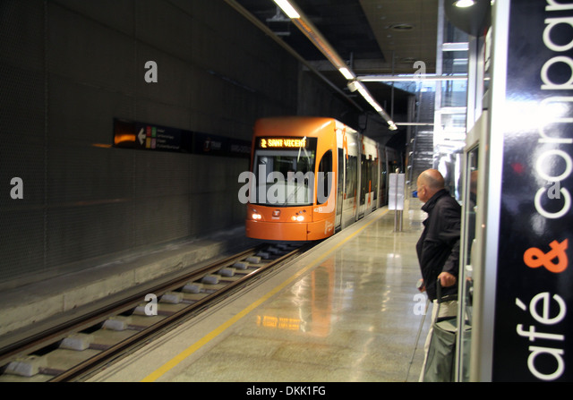 alicante tram buy tickets
