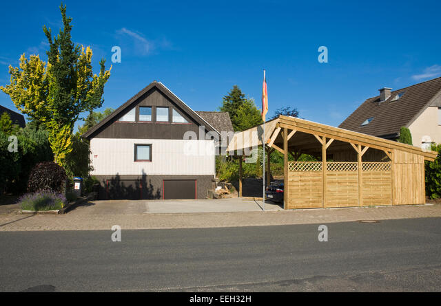 excellent awesome solar carport usunportu providing shelter and charging energy for two electric cars or plug with carport fr autos preis with fr carport