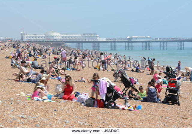 Hot weather on the beach in June 2017 in Brighton, East Sussex,England, UK. - Stock Image