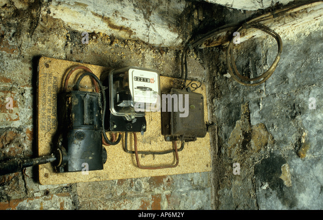 old electrics mains supply meter and fuse box ap6m2y domestic electricity meter uk stock photos & domestic electricity fusebox northern powergrid at crackthecode.co