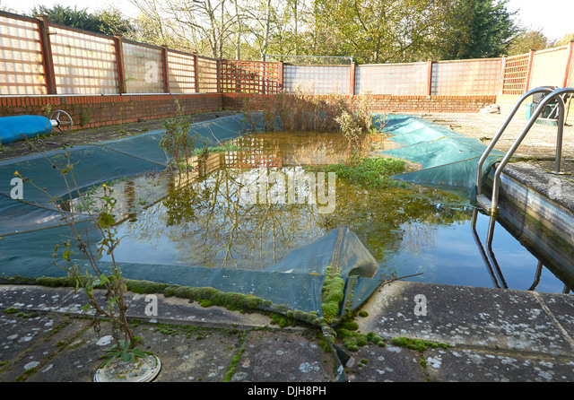 Polluted outside swimming pool stock photos polluted for Disused swimming pools