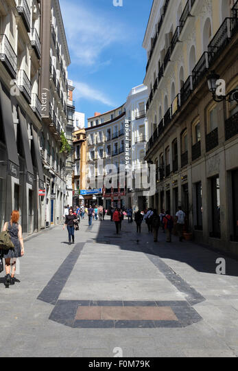 Calle de tetuan stock photos calle de tetuan stock for Calle sol madrid