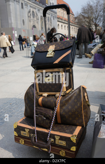 louis vuitton luggage stock photos louis vuitton luggage stock images alamy. Black Bedroom Furniture Sets. Home Design Ideas
