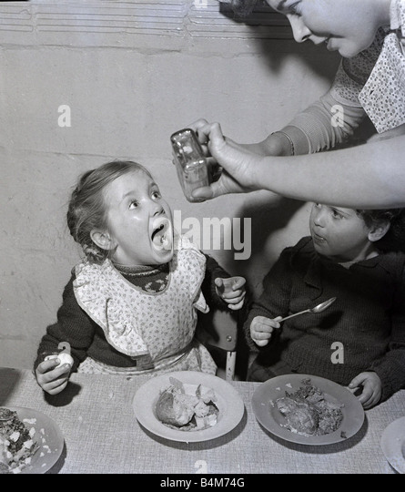 1950s Eating Stock Photos Amp 1950s Eating Stock Images Alamy