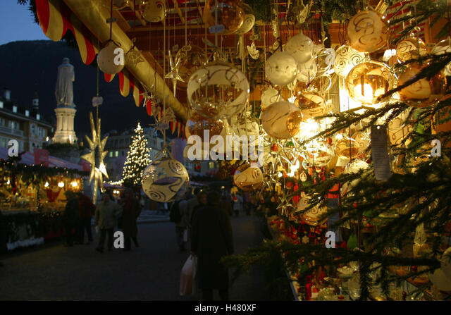 Bolzano christmas market stock photos bolzano christmas for Decoration epiphanie
