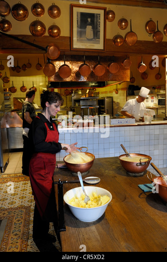 Preparation for normandy stock photos preparation for normandy stock images alamy - Restaurant la mere poulard ...