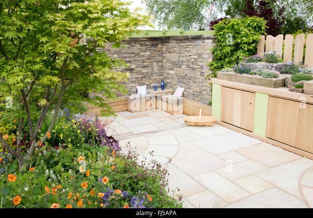 Planting trough stock photos planting trough stock for Pip probert garden designer