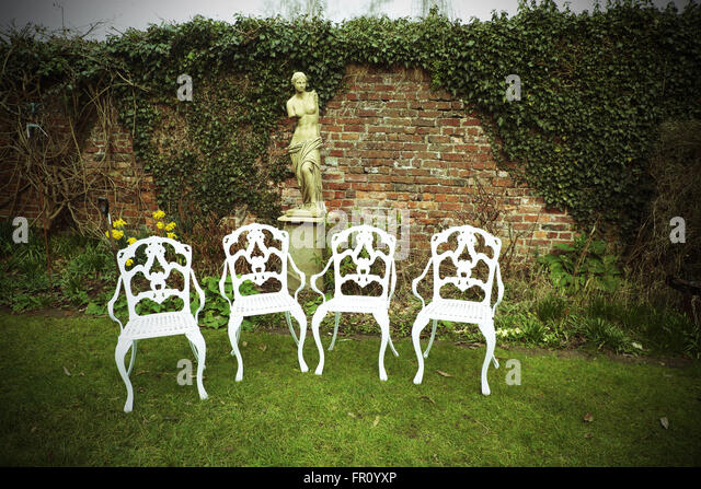 Lawn Garden Chairs Stock Photos & Lawn Garden Chairs Stock Images ...