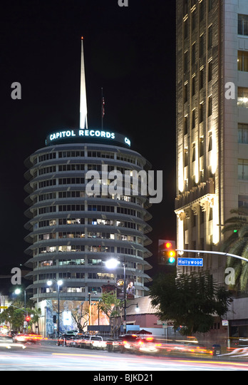 Hollywood Records: Capitol Records Building At Night Pictures To Pin On