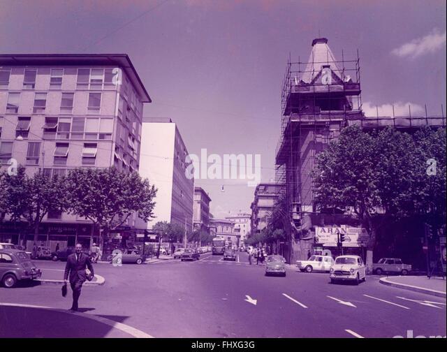 Rome 1970s stock photos rome 1970s stock images alamy for Corner via del corso roma