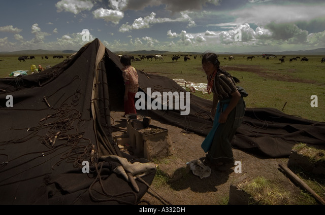 Tibetan nomads and the Black Tents. - Stock Image & Tibetan Nomads Black Tents Family Outdoor Living Stock Photos ...