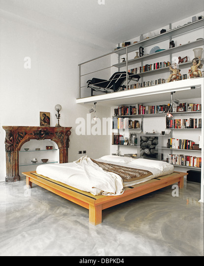 Platform bed stock photos platform bed stock images alamy - Mezzanine bedlamp ...