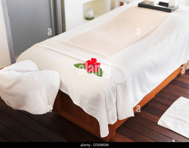 Bathrobe nobody stock photos bathrobe nobody stock images alamy for Room spa bad