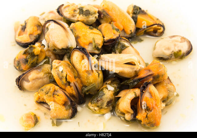 Mussels With Parsley And Garlic Recipe — Dishmaps