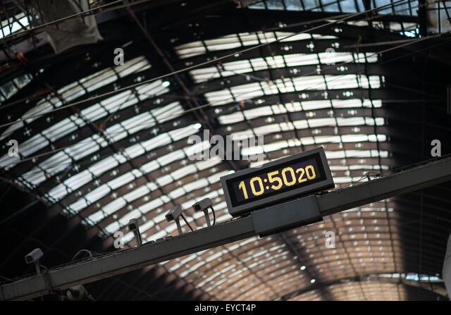 Train Delays Stock Photos Amp Train Delays Stock Images Alamy
