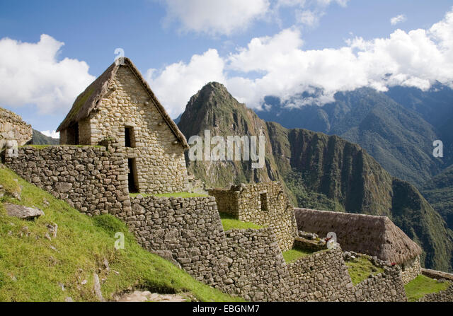 how to go from ollantayambo to aguas calientes peru