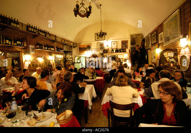 Busy Restaurant Stock Photos & Busy Restaurant Stock ...