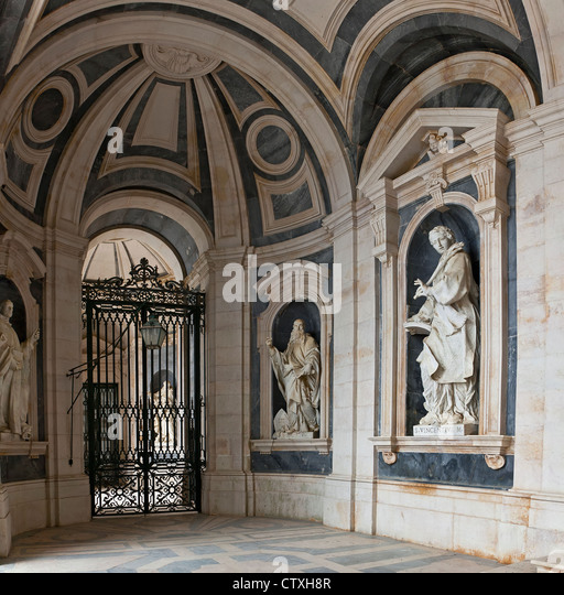 Italian sculptures stock photos italian sculptures stock for Italian baroque architecture