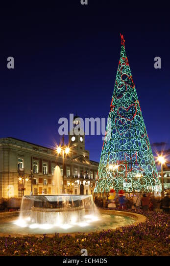 Puerta del sol madrid stock photos puerta del sol madrid for Plaza del sol madrid
