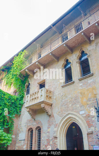 Romeo and juliet shakespeare balcony stock photos romeo for Famous balcony