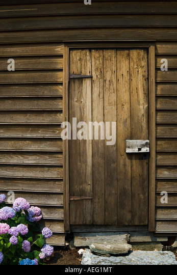Wooden Plank Door with Old Fashioned Latch and Stepping Stone - Stock Image & Door Stepping Stock Photos \u0026 Door Stepping Stock Images - Alamy Pezcame.Com